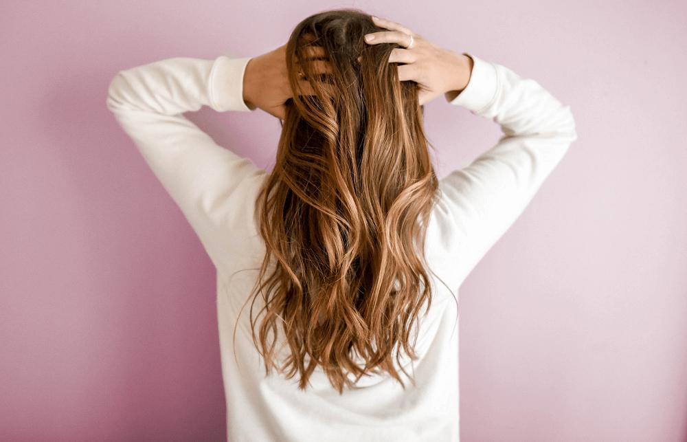 Trateaza corect alopecia androgenica la femei. Tratamente profesionale disponibele in clinica Derma Expert by Elōs.